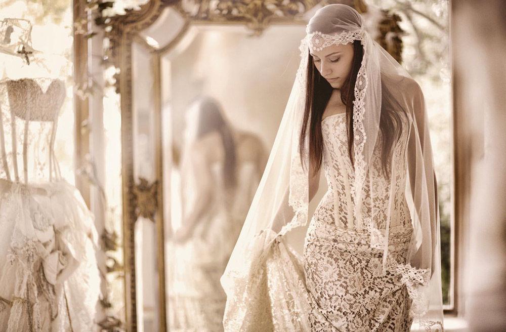 Voile vintage et robe dentelle bustier