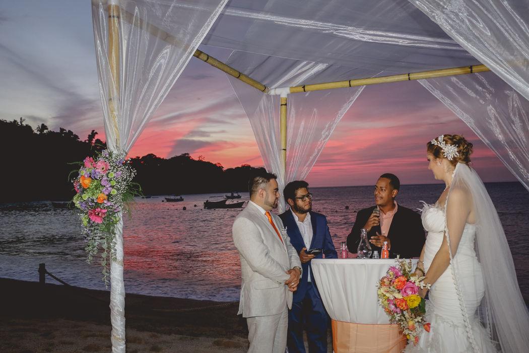Cobertura ceremonia religiosa (Yes I do)/ Puerto Vallarta, Jalisco