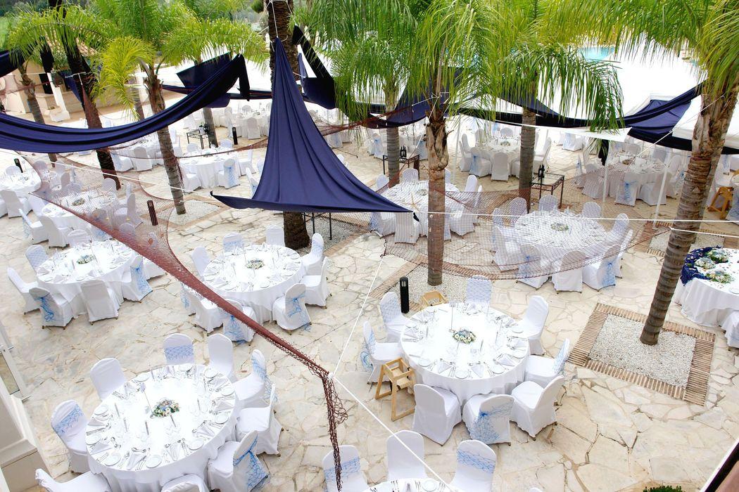 Banquetes junto a la piscina