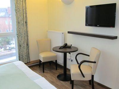 Beispiel: Zimmer, Foto: AKZENT Landgasthof Evering.