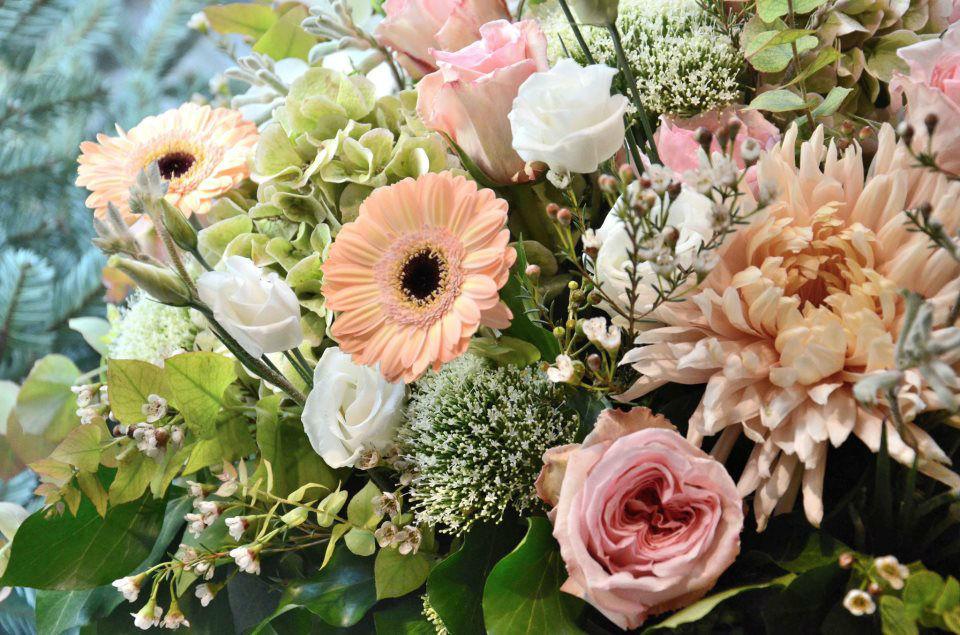 Beispiel: Kunst mit Blumen, Foto: Blumenzauber.