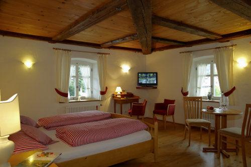 Beispiel: Zimmer, Foto: Gasthaus zum Raben.