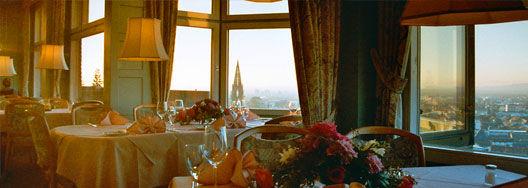 Beispiel: Restaurant, Foto: Dattler Schlossbergrestaurant.