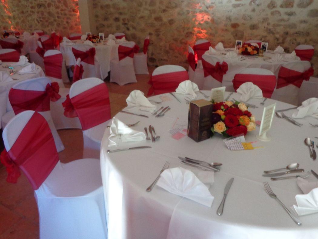 @ Agence Catherine Petitcuenot & Co Table Prune et Orange
