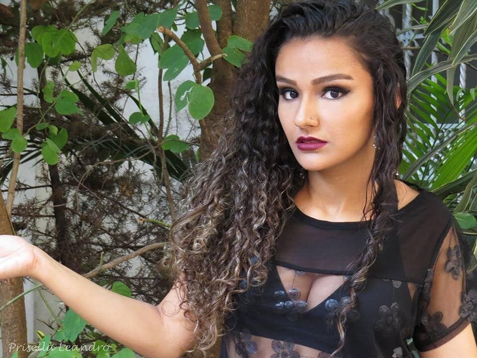 Priscila Leandro - Makeup Artist