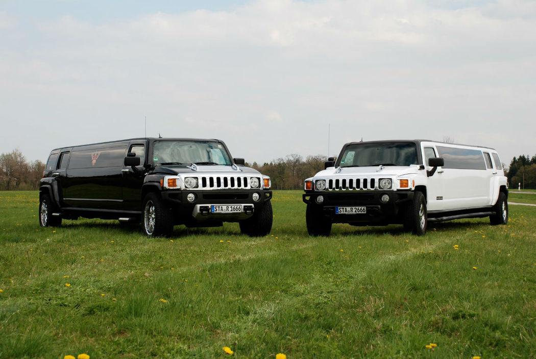 Beispiel: Schwarzer und weisser Hummer, Foto: MK - Limousinen München.