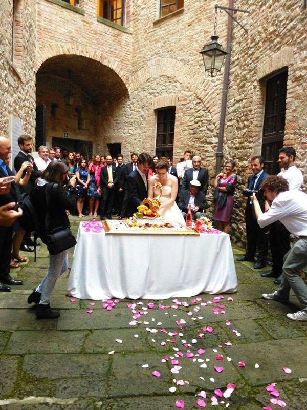 Il cortile interno del Castello dal Verme di Zavattarello: la magica atmosfera del medioevo