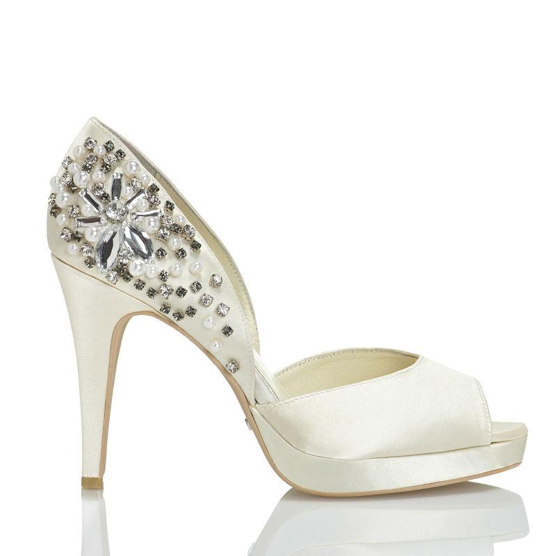 Menbur Modelo Talo 4204 www.menbur.com/es/es/zapatos/novia