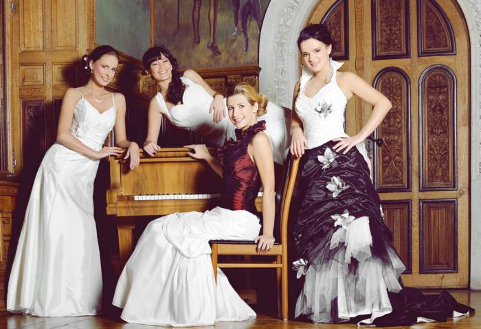 Beispiel: Brautmode, Foto: Sissi Brautmoden.