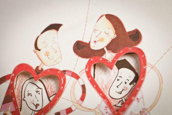 """• Sugar  Feito de açúcar e vermelho por fora, este é o convite para corações repletos de doçura e paixão. """"Amor no meu coração, meu amor no coração"""" é o nosso melhor conselho, a partilhar e celebrar com quem mais se quer, para o resto da vida!  Este convite é impresso em fine paper iridescente, com um acabamento de relevo seco no envelope e cortante no cartão. O texto é impresso a vermelho e a fonte recomendada é a Eurofurence."""