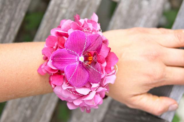 Beispiel: Blumenschmuck für die Trauzeugen, Foto: Hochzeitsblumen.ch.