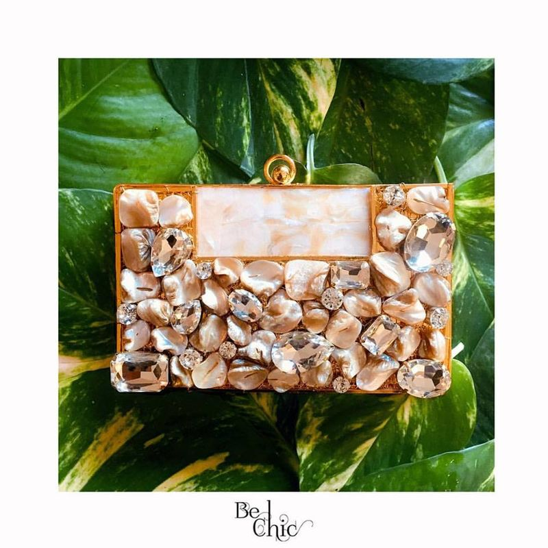 Be Chic Clutches