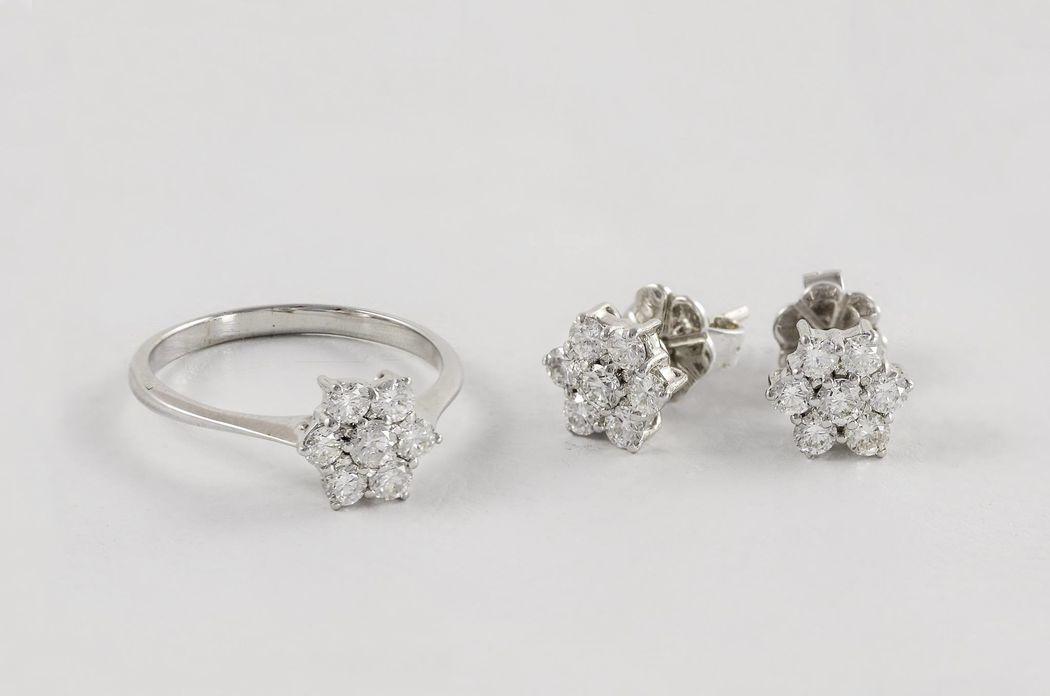 Pendientes y anillo oro blanco rosetón