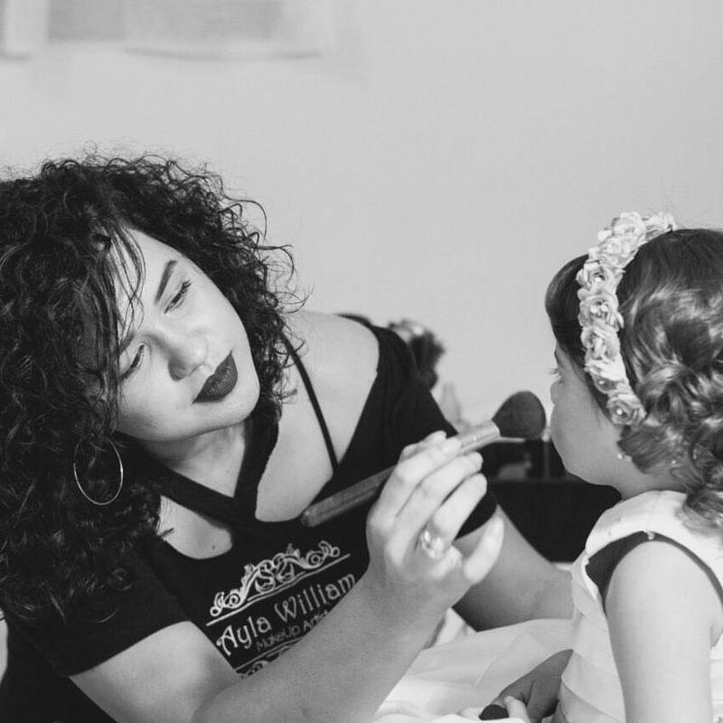 Ayla William Makeup