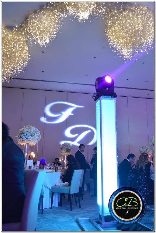 Hotel St Regis CDMX iluminación