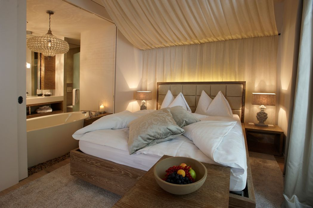 Premium Suite Charming mit freistehender Badewanne und Privatterrasse, Foto: Hotel Bad Bubendorf.