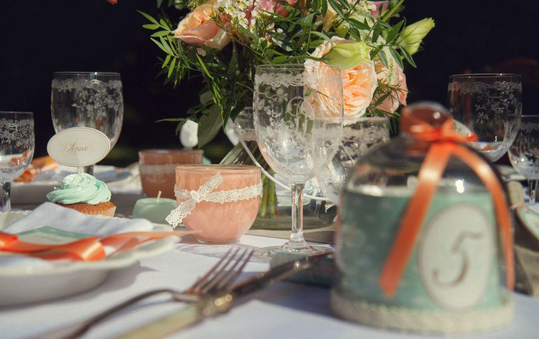 Mariage Brocante chic Crédits : Dessine-moi une étoile (Design et Papeterie ) - Aromance (Fleurs) - Laëtitia Photography