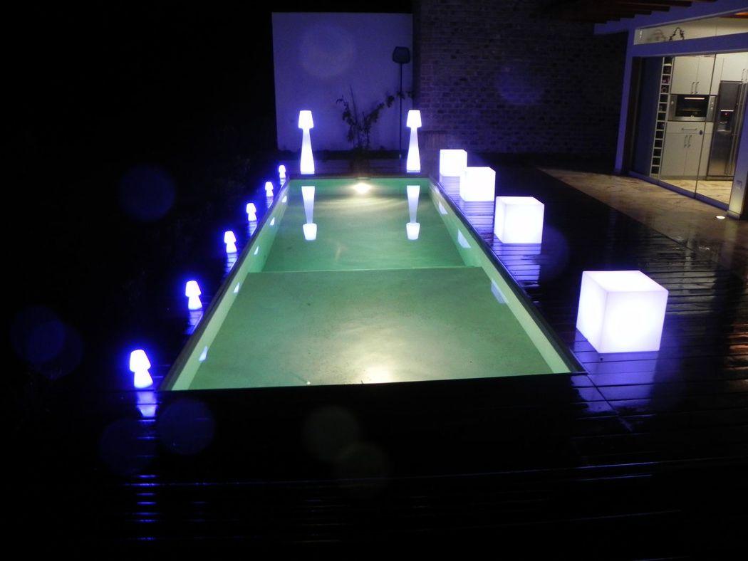 Decoración e iluminación de piscinas y jardines.
