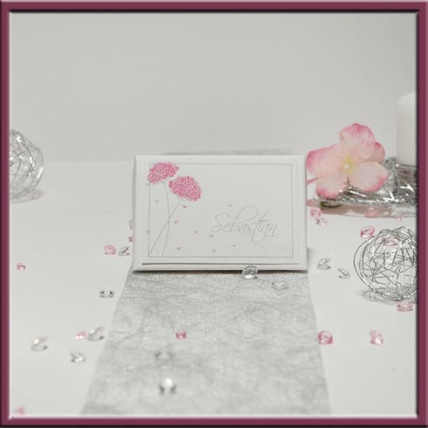 Beispiel: Tischkarte, Foto: Adam & Eva Hochzeitskarten.