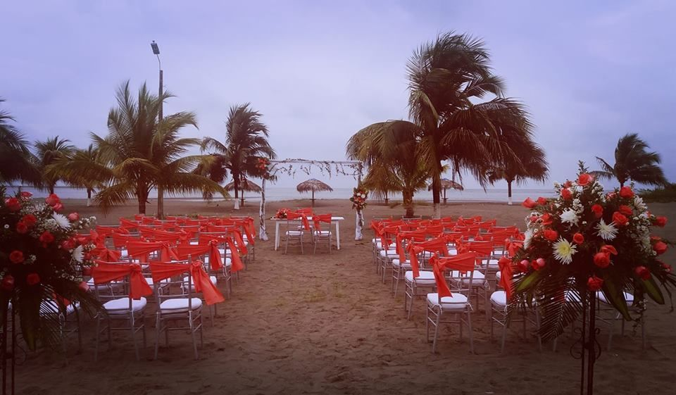 Villa del Sol Hotel & Resort