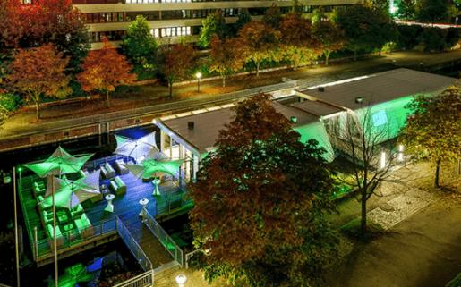 Beispiel: Luftaufnahme bei Nacht, Foto: Kai 10 - The Floating Experience.