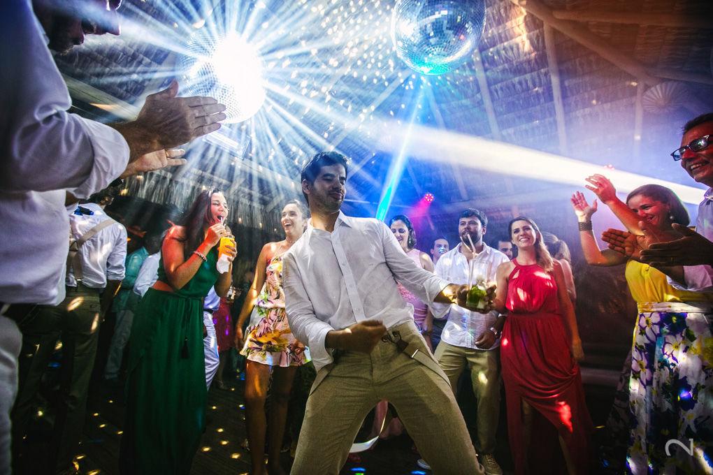 Noivinho na Pista de Dança!