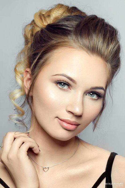 Estera Kozielska Make-up Artist