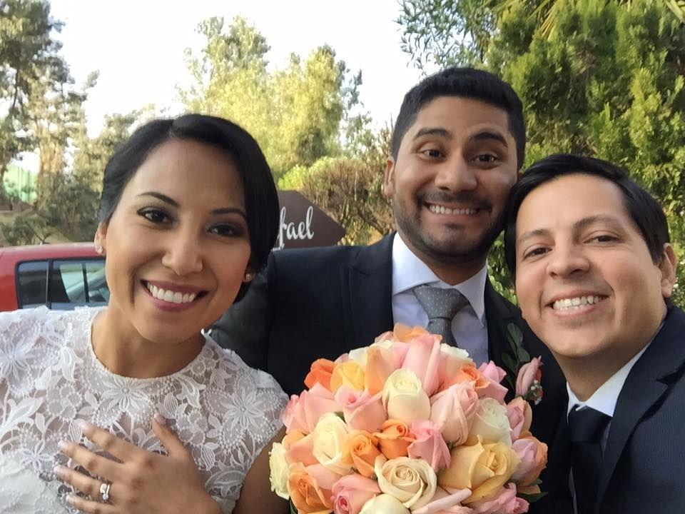 KUNDA . Selfie con novios arequipeños Rochi & Rafael