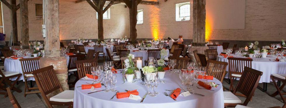 Beispiel: Hochzeitsgedeck, Foto: Stroh Catering.