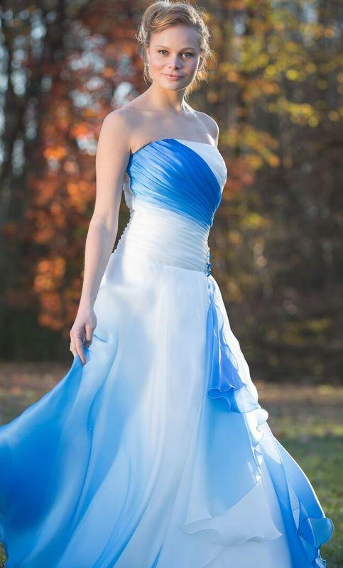 Collezione Joy 013 abito in organza di seta degradè blu china, realizzabile in diversi colori