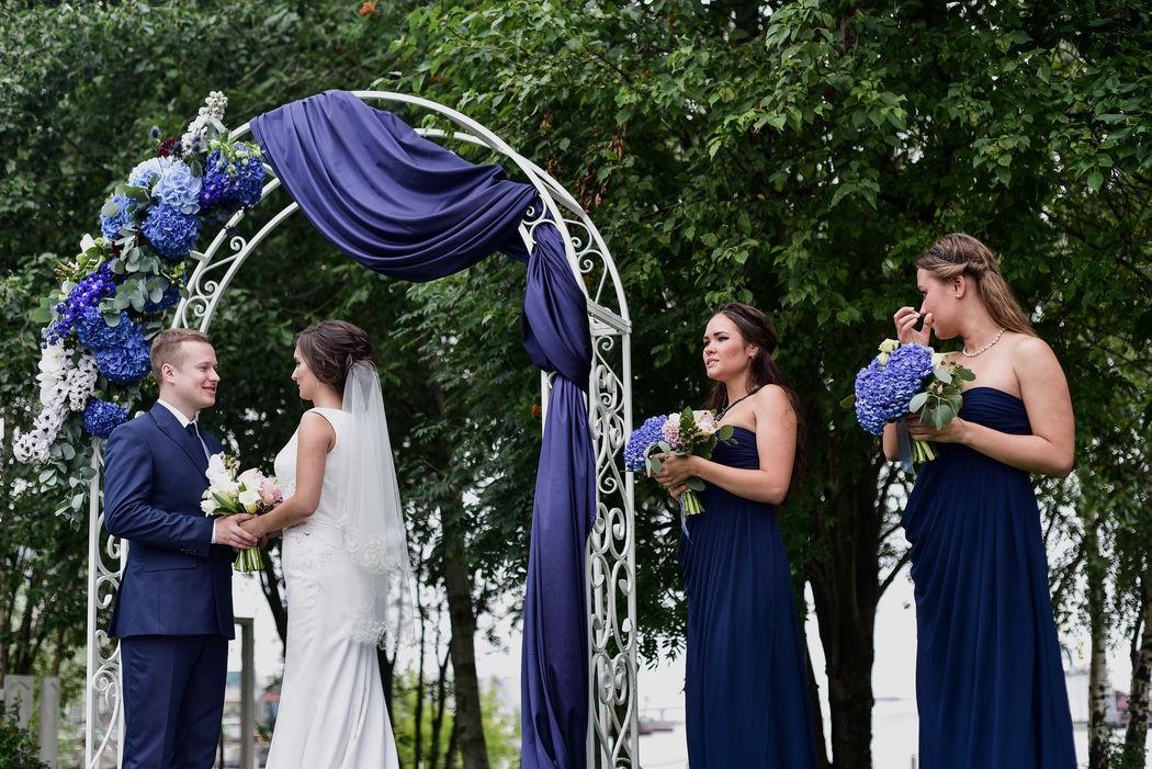 Свадьба Александра и Алены в насыщенно-синих оттенках