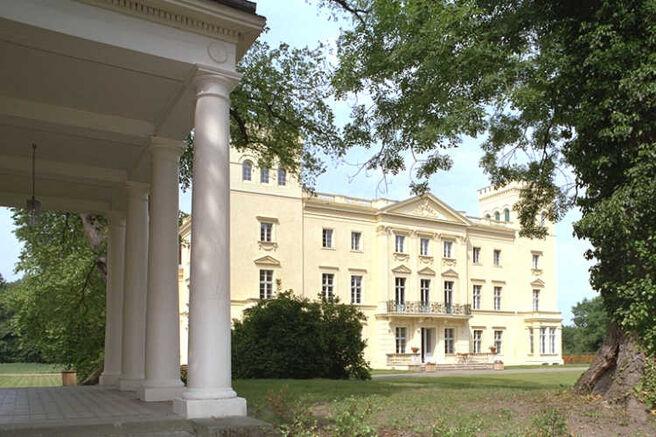 Beispiel: Seitenansicht, Foto: Schloss Steinhöfel.