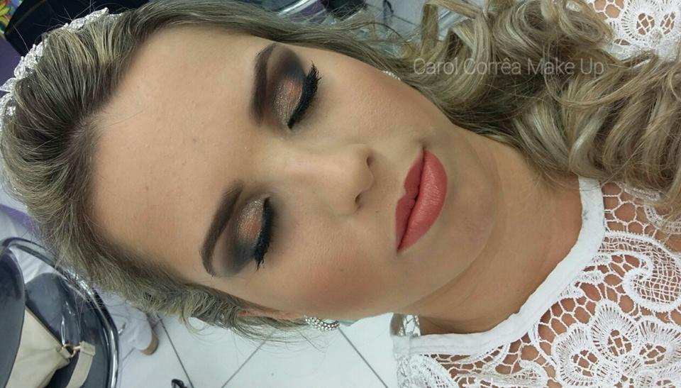 Carol Corrêa Makeup