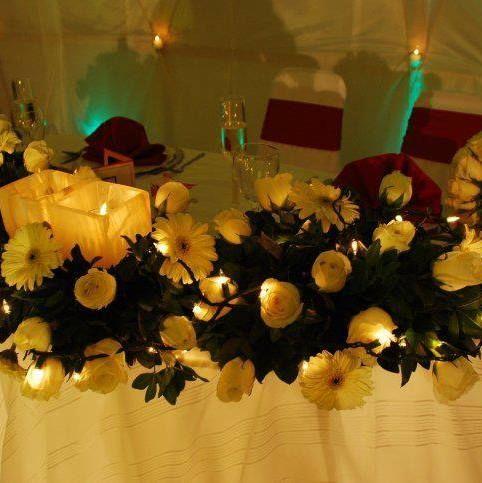 Centro de mesa para mesa de novios