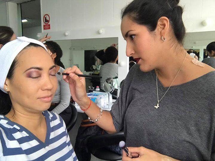 Chivi Espinoza Makeup Artist