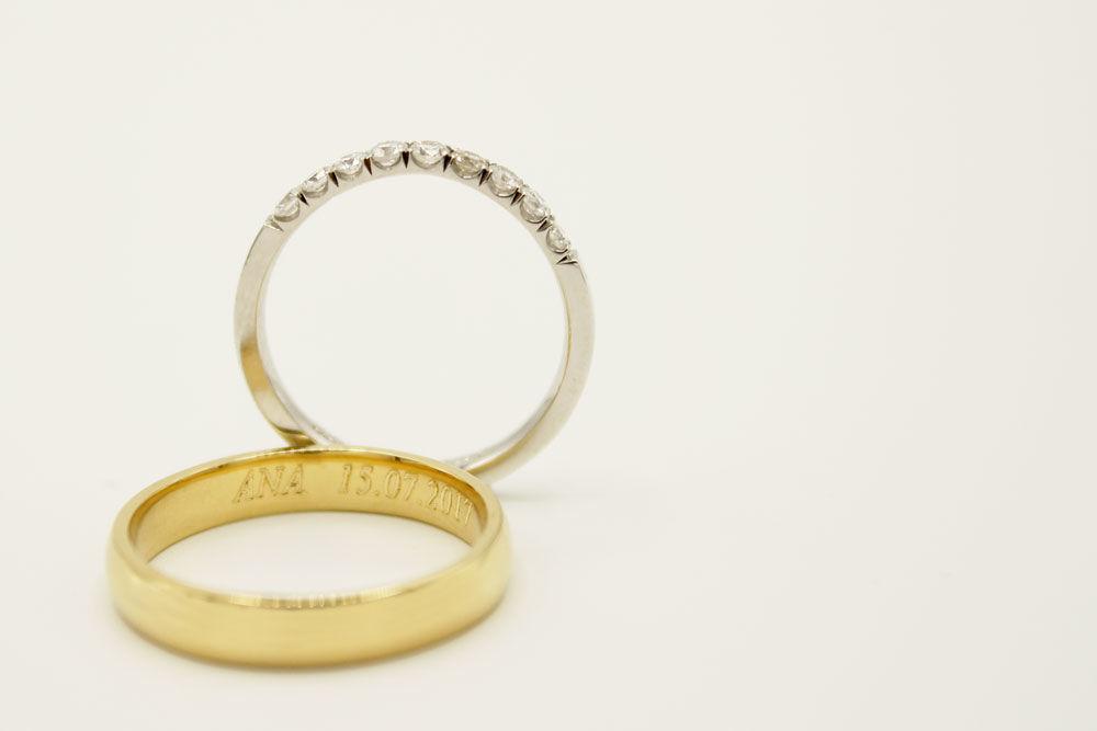 Oro blanco y amarillo 18k con diamantes.