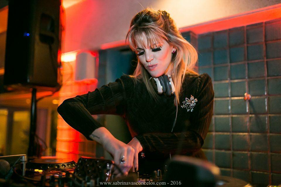 DJ Scarlet