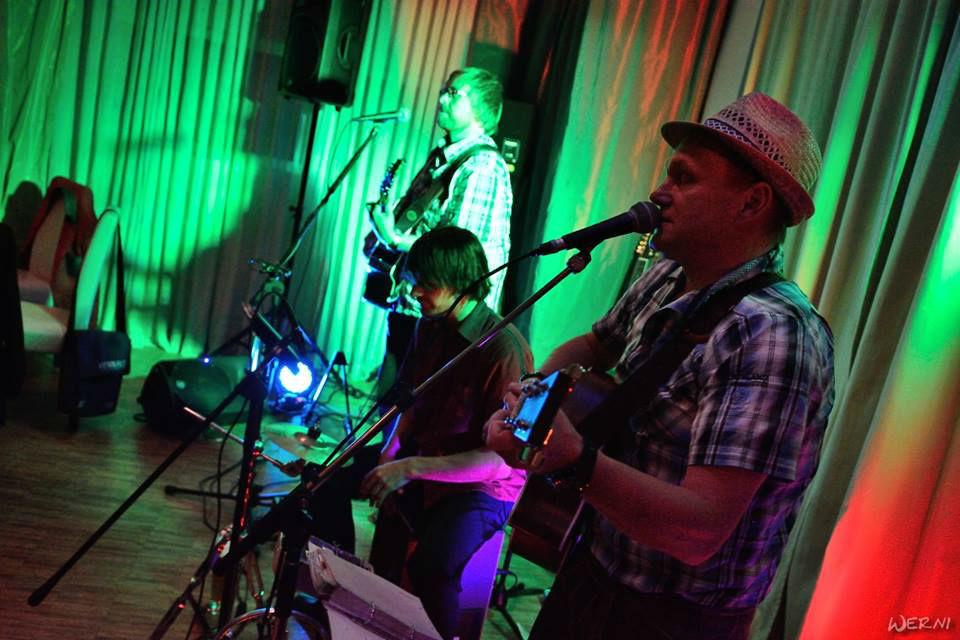 Beispiel: Unplugged Live Band, Foto: String Power.