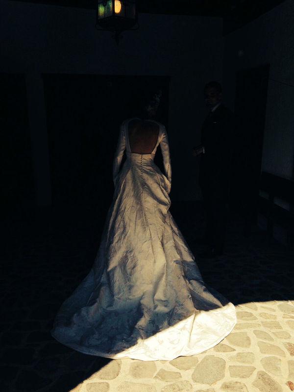 La preciosa espalda del vestido de Jamaica