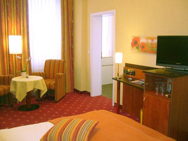 Beispiel: Zimmer, Foto: AKZENT Hotel Strandhalle.