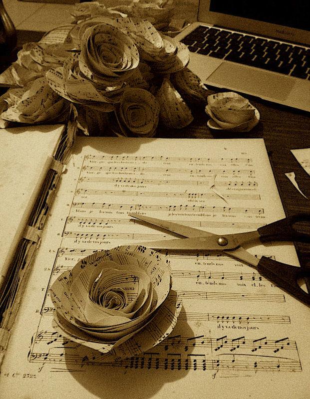 Cascina Alessi - rose di carta e musica