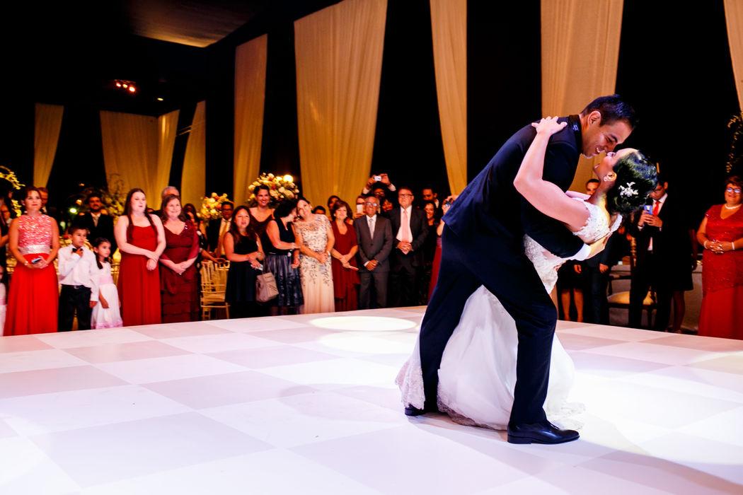 El Gran final del Primer Baile de nuestros alumnos Natalie & Pedro.