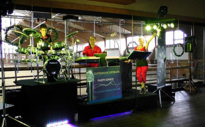 Beispiel: Wedding-DJ, Foto: Katharinas Liveband.