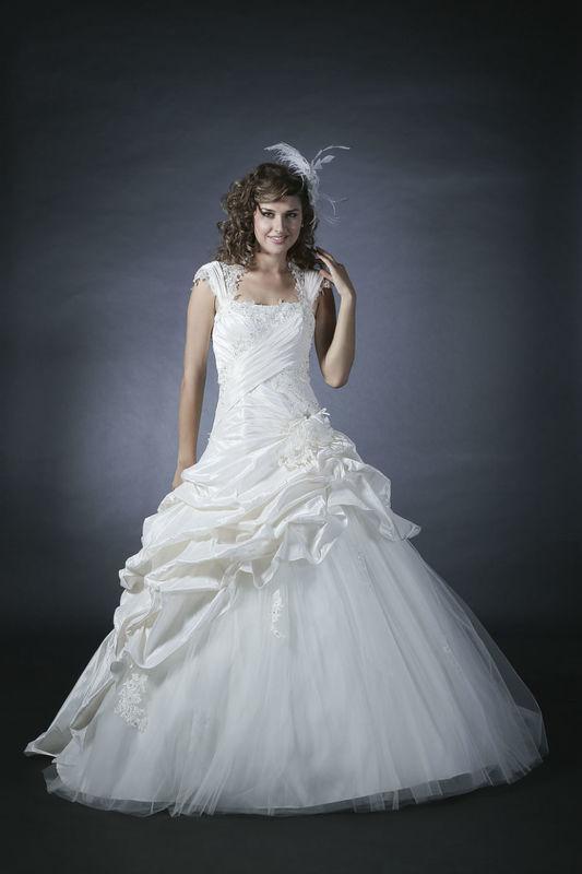 White Dress Modèle  Aludra www.whitedress.lu
