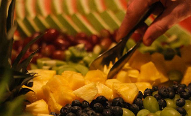 Beispiel: Früchtebuffet, Foto: Alsterköche im Ruderclub Favorite Hammonia.