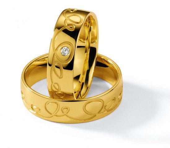 Beispiel: Eheringe in Gelbgold, Foto: Juwelier Mairinger.