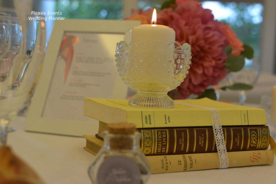Mariage corail et gris, thème littérature - Floasis Events wedding planner