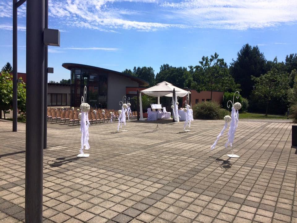 Beispiel: Freie Trauung im Sommer;  Foto: Centrum für Freizeit und Kommunikation.