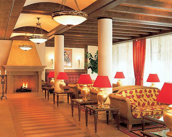 Beispiel: Lobby, Foto: Travel Charme Gothisches Haus.