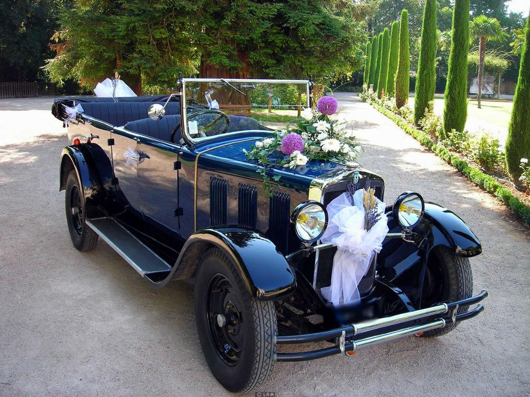 location v hicules de collection et voitures anciennes pour mariage. Black Bedroom Furniture Sets. Home Design Ideas